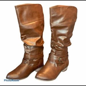 SO NWOT Knee High Strappy Buckle Brown Boots